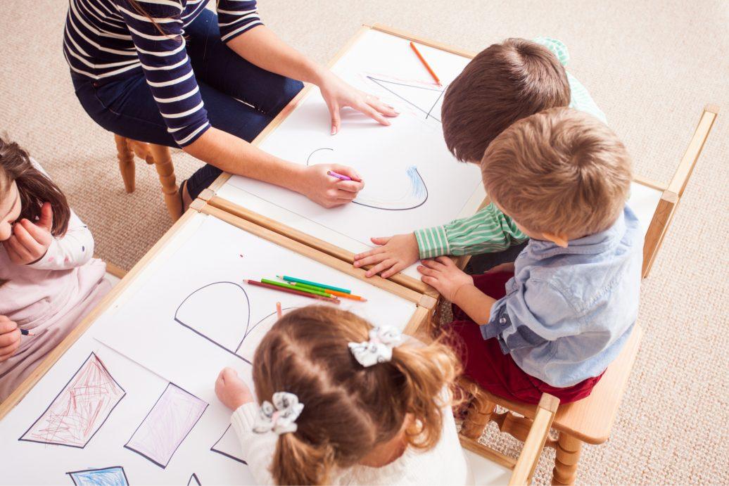Kinder lernen in der Kita
