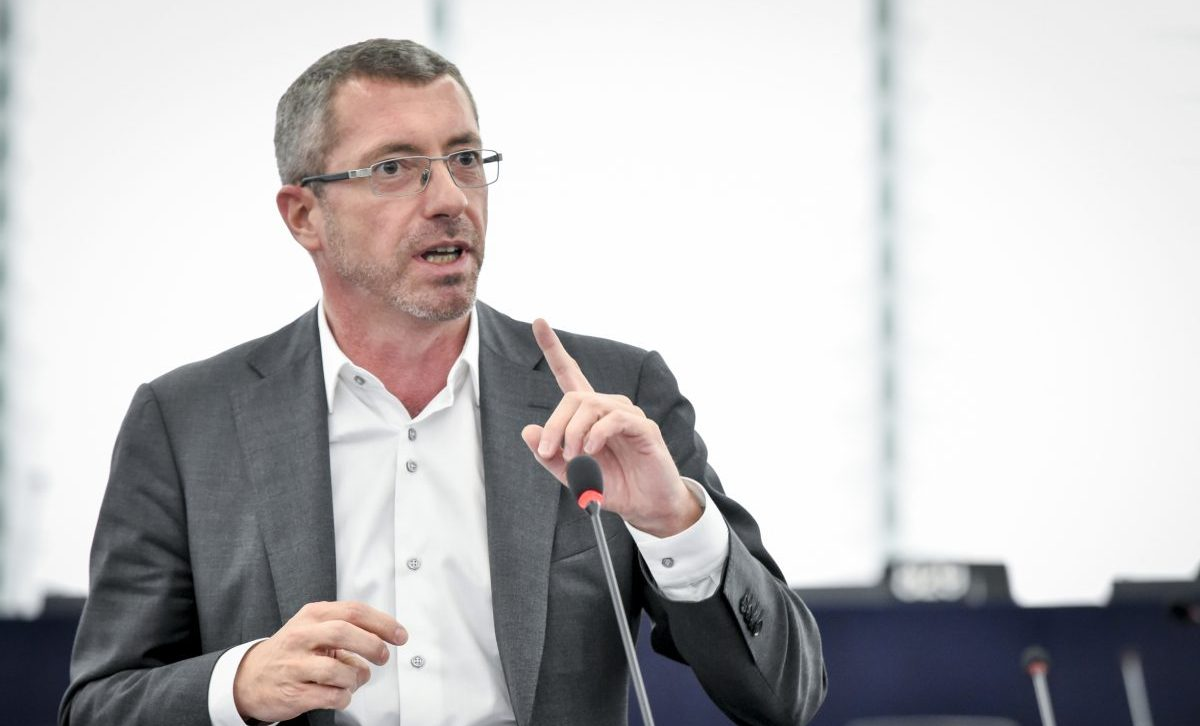 Frank Engel: Brisanter Nebenjob bei Militärunternehmen - REPORTER