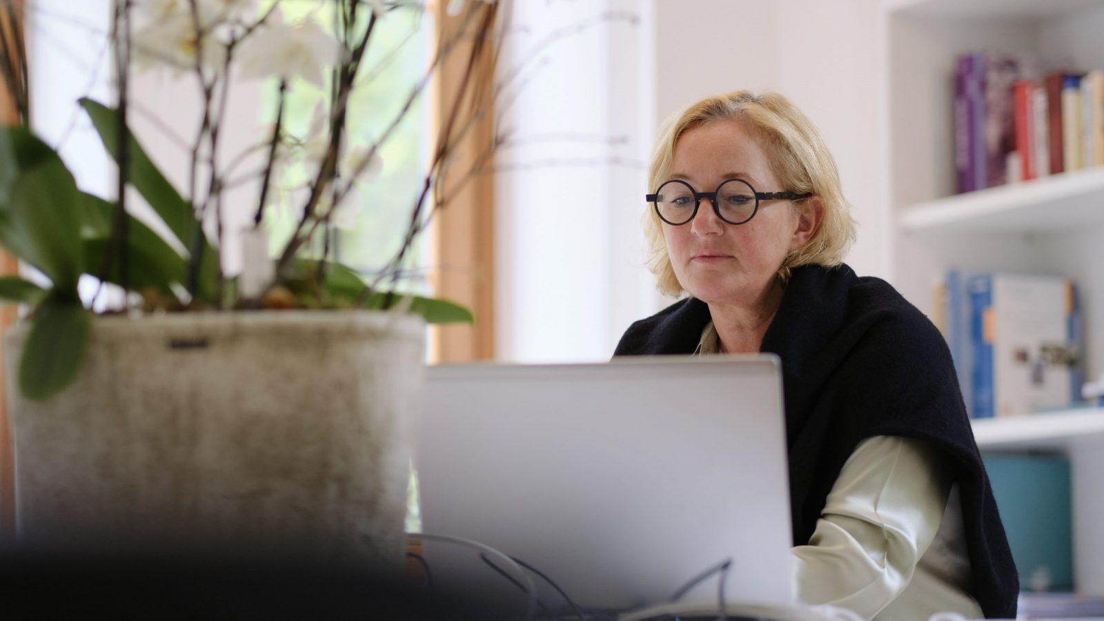 """Paulette Lenert im Interview: """"Es ist schon eine enorme Belastung"""" - Reporter.lu"""